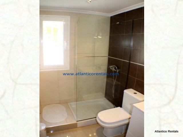 bathroom - Los Arcos, Puerto del Carmen, Lanzarote